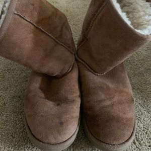 UGG Shoes - Tan Ugg Classic Short Boots, size 8